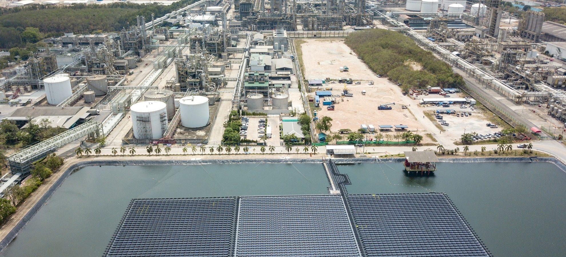 solar panel farm-min